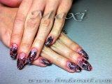 Поддръжка на ноктопластика - бадемови нокти с акрил и добавена дантела, разноцветен брокат и очертания с боички