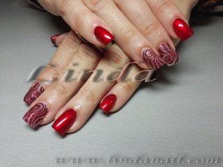 Поддръжка на ноктопластика с акригел - дизайн с гел боичка и червен брокат