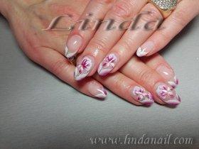 Поддръжка на ноктопластика - с акрил и декоративни цветя
