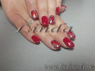 Дизайн с гел лак - с червено и златно фолио и черен гел лак