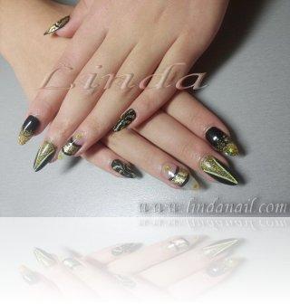 Ноктопластика с акрил - дизайн с гел лак и златен брокат