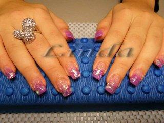 Ноктопластика - изграждане с лилав акрил и дизайн с вградени сребристи метални ромбчета
