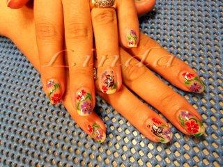 Декоративен маникюр - с рисунки на цветя с лилава, зелена и цикламена боички върху естествени нокти