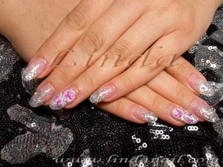 Поддръжка - със смяна на формата (от права на бадемова) и декорация с плоска четка на рози с бяла и розова боички