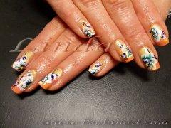 Пролетно настроение - декоративни нокти с с преливаща основа в три цвята - златно, розово и оранжево