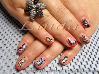 Декоративен маникюр с пеперуди