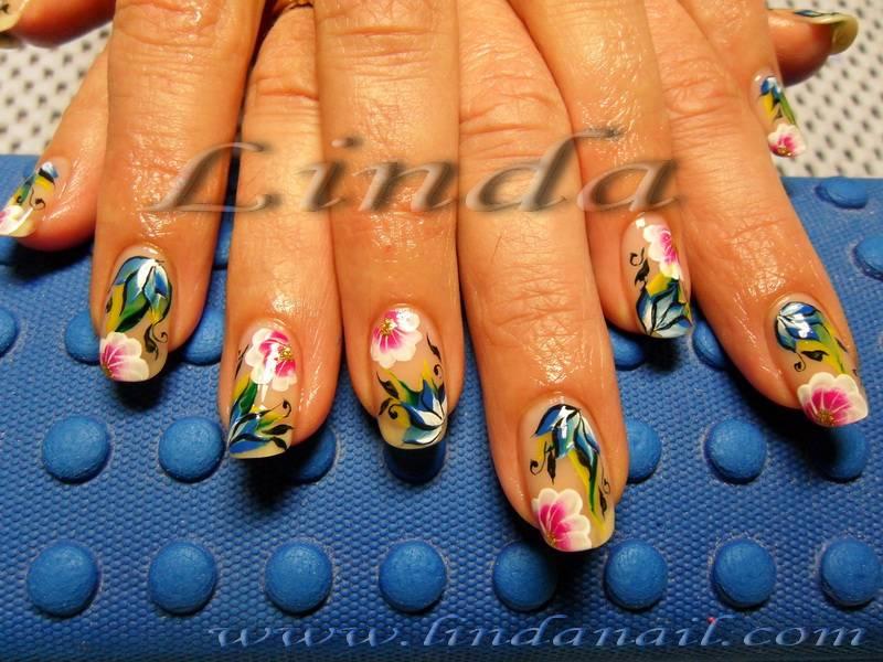 Декорации върху естествени нокти